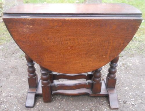Antique Style Small Oak Dropleaf Coffee Table